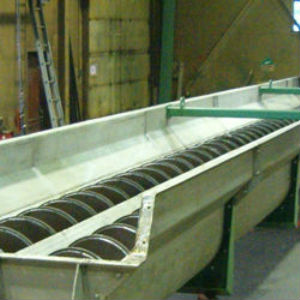 Continental and the differences between screw conveyors and screw feeders